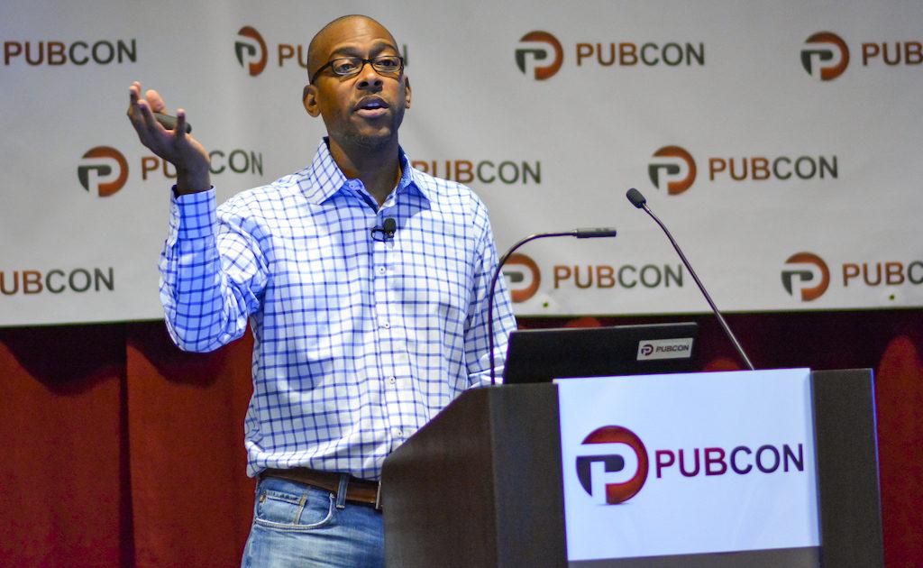 Wil Reynolds donnant une conférence au Pubcon
